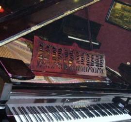 London grand piano